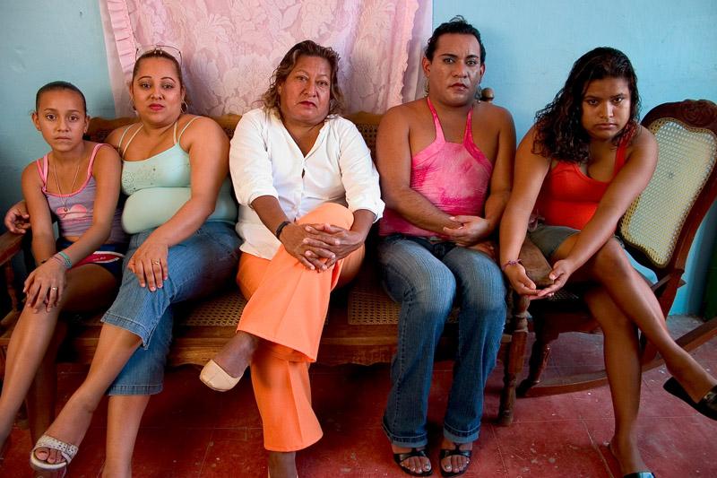 prostitutas en coria del rio varon femenino