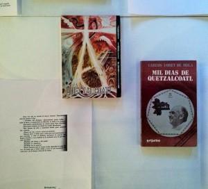 """De la mesa de documentación que acompañó la serie de Víctor Sulser.  La serie de dibujo Serpiente Verde está inspirada en la novela """"Quetzalcoatl"""" de José López Portillo."""